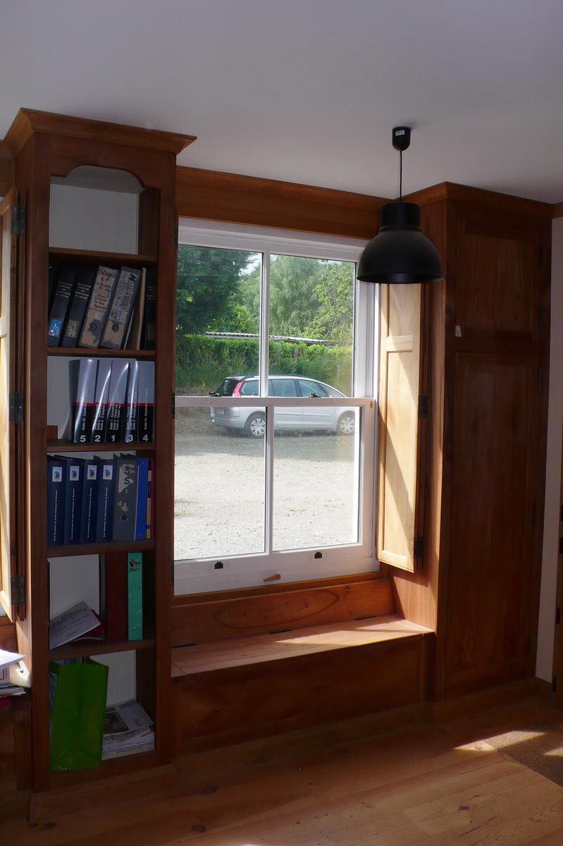 exemples de r alisations menuiseries guillotine l 39 atelier du tregor. Black Bedroom Furniture Sets. Home Design Ideas
