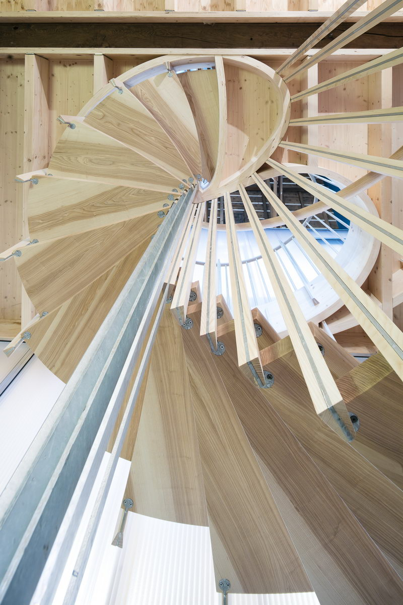 escalier suspendu design bois metal morlaix 0001 l 39 atelier du tregor. Black Bedroom Furniture Sets. Home Design Ideas