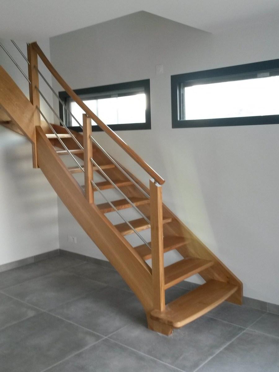 Escalier chêne sans contremarches, rampe moderne bois-métal - L ...